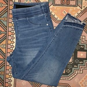 Old Navy Size 14 Rockstar Midrise waist band jeans
